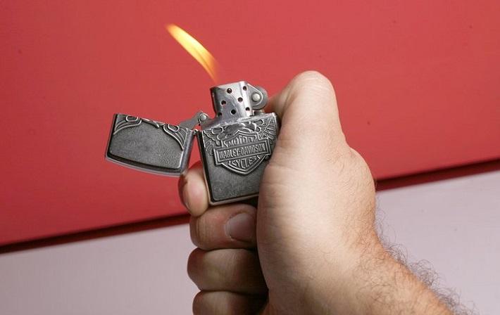 применение зажгалки
